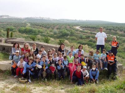 20090511182828-copia-de-escolares-y-padres-excursion-por-el-patrimonio.jpg