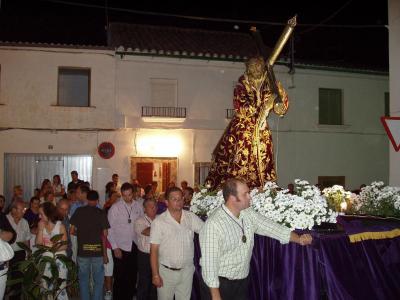 20090915094829-copia-de-procesion-ntro.-padre-jesus.-calle-nueva.jpg