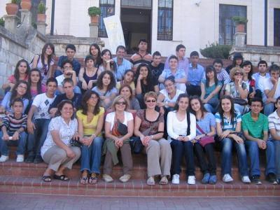 20101021101629-copia-de-alumnos-del-instituto-de-lopera-en-kahramanmaras.jpg