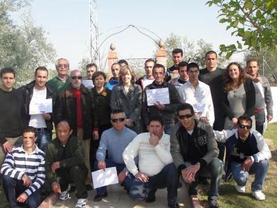 20110218171311-copia-de-entrega-diplomas-curso-soldadura-y-forja.jpg