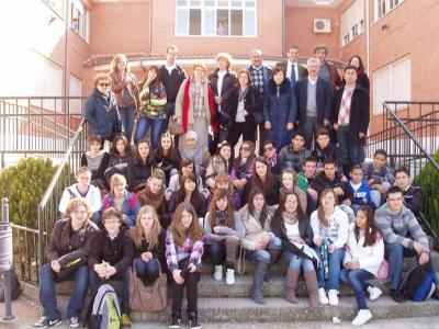 20110304175131-encuentro-internacional-de-alumnos-y-profesores-en-lopera.jpg