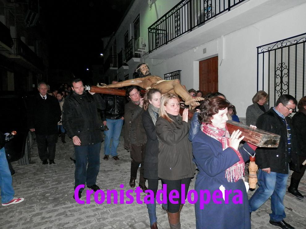 20130328093207-via-crucis-del-miercoles-santo-lopera-copia.jpg