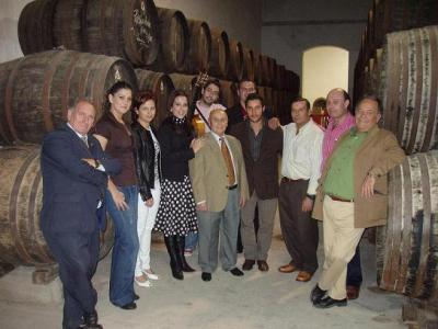 20071028124852-copia-de-velada-flamenca-en-bodegas-herruzo.jpg