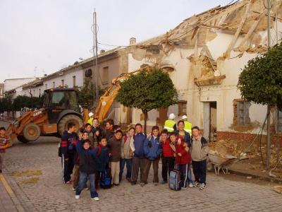 20080222112926-el-ultimo-adios-de-las-casas-de-maestros.jpg