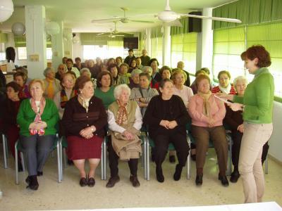 20100310095640-copia-de-charla-de-mujer-loperana-en-la-historia.jpg