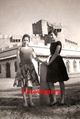 20160130113551-pilar-castillo-y-conchi-bellido.-12-10-1959-copia.jpg